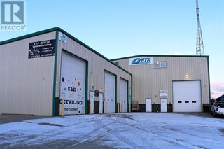 Photo 2: 120 Steele  Crescent in Hinton: Industrial for sale : MLS®# A1049414