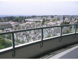 "Photo 2: 1104 - 6611 Southoaks in Burnaby: Highgate Condo  in ""GEMENI I"" (Burnaby South)"
