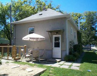 Photo 3: 327 OLIVE Street in Winnipeg: St James Single Family Detached for sale (West Winnipeg)  : MLS®# 2512292