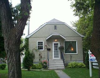 Photo 1: 327 OLIVE Street in Winnipeg: St James Single Family Detached for sale (West Winnipeg)  : MLS®# 2512292