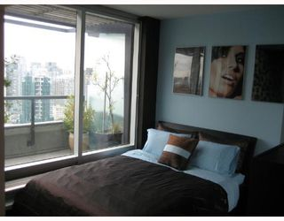 Photo 5: 1803 1003 BURNABY Street in Vancouver: West End VW Condo for sale (Vancouver West)  : MLS®# V658738