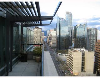 Photo 3: 1803 1003 BURNABY Street in Vancouver: West End VW Condo for sale (Vancouver West)  : MLS®# V658738