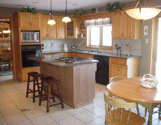 Photo 2: 109 QUEEN'S PARK Crescent in WINNIPEG: River Heights / Tuxedo / Linden Woods Residential for sale (South Winnipeg)  : MLS®# 2803096