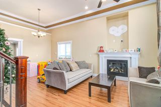 Photo 6: 7211 4TH Street in Burnaby: East Burnaby House 1/2 Duplex for sale (Burnaby East)  : MLS®# R2394563