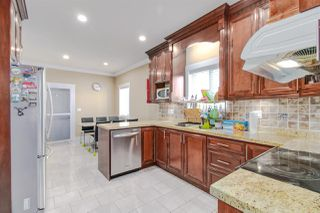 Photo 7: 7211 4TH Street in Burnaby: East Burnaby House 1/2 Duplex for sale (Burnaby East)  : MLS®# R2394563