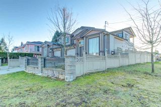 Photo 3: 7211 4TH Street in Burnaby: East Burnaby House 1/2 Duplex for sale (Burnaby East)  : MLS®# R2394563