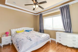 Photo 8: 7211 4TH Street in Burnaby: East Burnaby House 1/2 Duplex for sale (Burnaby East)  : MLS®# R2394563