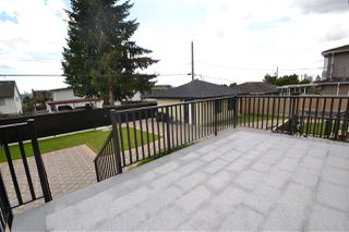 Photo 7: 6580 WINCH Street in Burnaby: Parkcrest House for sale (Burnaby North)  : MLS®# R2408621