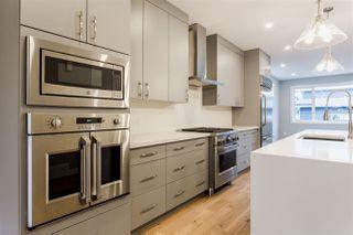 Photo 3: 9511 70 Avenue NW in Edmonton: Zone 17 House for sale : MLS®# E4176249