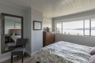 """Photo 17: 428 CROSSCREEK Road: Lions Bay Townhouse for sale in """"Lions Bay"""" (West Vancouver)  : MLS®# R2498583"""