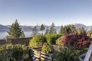 """Photo 9: 428 CROSSCREEK Road: Lions Bay Townhouse for sale in """"Lions Bay"""" (West Vancouver)  : MLS®# R2498583"""