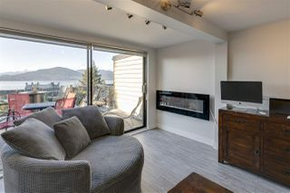 """Photo 10: 428 CROSSCREEK Road: Lions Bay Townhouse for sale in """"Lions Bay"""" (West Vancouver)  : MLS®# R2498583"""