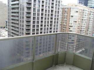 Photo 37: 1811 750 Bay Street in Toronto: Bay Street Corridor Condo for lease (Toronto C01)  : MLS®# C5073361