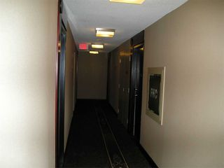 Photo 32: 1811 750 Bay Street in Toronto: Bay Street Corridor Condo for lease (Toronto C01)  : MLS®# C5073361