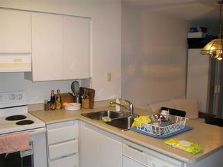 Photo 11: 1811 750 Bay Street in Toronto: Bay Street Corridor Condo for lease (Toronto C01)  : MLS®# C5073361