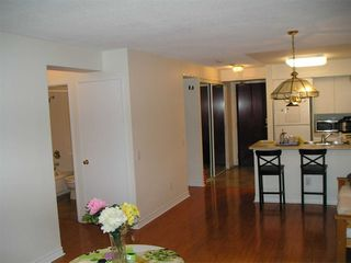Photo 6: 1811 750 Bay Street in Toronto: Bay Street Corridor Condo for lease (Toronto C01)  : MLS®# C5073361