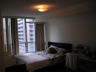 Photo 17: 1811 750 Bay Street in Toronto: Bay Street Corridor Condo for lease (Toronto C01)  : MLS®# C5073361