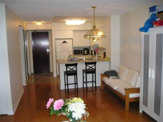 Photo 5: 1811 750 Bay Street in Toronto: Bay Street Corridor Condo for lease (Toronto C01)  : MLS®# C5073361
