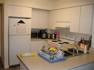 Photo 9: 1811 750 Bay Street in Toronto: Bay Street Corridor Condo for lease (Toronto C01)  : MLS®# C5073361