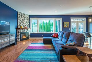 Photo 2: 1233 Slater Pl in : CV Comox (Town of) House for sale (Comox Valley)  : MLS®# 862355
