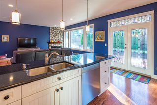Photo 4: 1233 Slater Pl in : CV Comox (Town of) House for sale (Comox Valley)  : MLS®# 862355