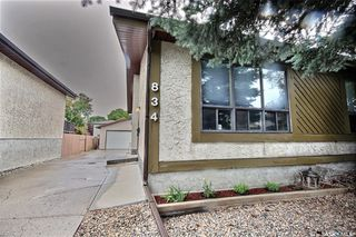 Main Photo: 834 Lansdowne Drive North in Regina: McCarthy Park Residential for sale : MLS®# SK786006