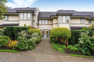 "Main Photo: 107 245 W 15TH Street in North Vancouver: Central Lonsdale Townhouse for sale in ""Chatsworth Mews"" : MLS®# R2414583"