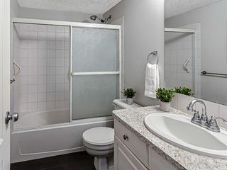 Photo 11: 116 10 SIERRA MORENA Mews SW in Calgary: Signal Hill Apartment for sale : MLS®# C4281143