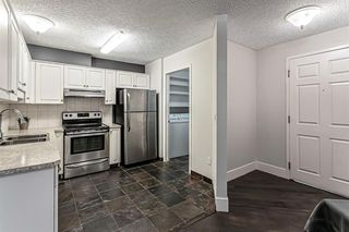 Photo 2: 116 10 SIERRA MORENA Mews SW in Calgary: Signal Hill Apartment for sale : MLS®# C4281143