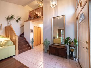 Photo 2: 178 WEAVER Drive in Edmonton: Zone 20 House for sale : MLS®# E4187161