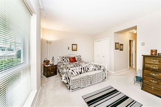 """Photo 11: 205 1255 BEST Street: White Rock Condo for sale in """"THE AMBASSADOR"""" (South Surrey White Rock)  : MLS®# R2454222"""