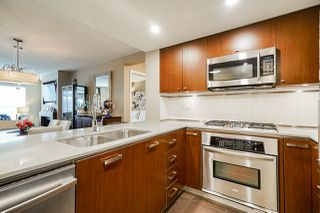 """Photo 13: 210 2940 KING GEORGE Boulevard in Surrey: King George Corridor Condo for sale in """"HIGH STREET"""" (South Surrey White Rock)  : MLS®# R2496807"""