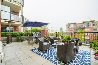 """Photo 1: 210 2940 KING GEORGE Boulevard in Surrey: King George Corridor Condo for sale in """"HIGH STREET"""" (South Surrey White Rock)  : MLS®# R2496807"""