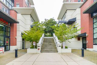 """Photo 6: 210 2940 KING GEORGE Boulevard in Surrey: King George Corridor Condo for sale in """"HIGH STREET"""" (South Surrey White Rock)  : MLS®# R2496807"""