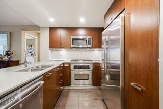 """Photo 12: 210 2940 KING GEORGE Boulevard in Surrey: King George Corridor Condo for sale in """"HIGH STREET"""" (South Surrey White Rock)  : MLS®# R2496807"""