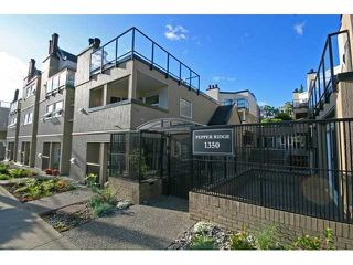 """Photo 3: 3 1350 W 6TH Avenue in Vancouver: Fairview VW Townhouse  in """"Pepper Ridge"""" (Vancouver West)  : MLS®# V870232"""