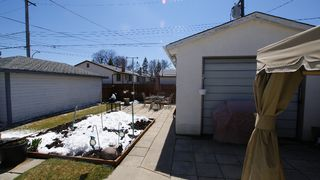 Photo 3: 666 Manhattan in Winnipeg: East Kildonan Residential for sale (North East Winnipeg)  : MLS®# 1107914