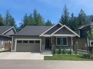"""Photo 1: 62 1885 COLUMBIA VALLEY Road in Cultus Lake: Lindell Beach House for sale in """"Aquadel Crossing"""" : MLS®# R2452525"""