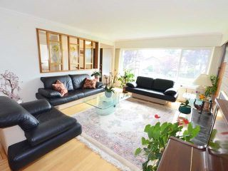 Photo 3: 7278 ELMHURST Drive in Vancouver: Fraserview VE House for sale (Vancouver East)  : MLS®# R2469919