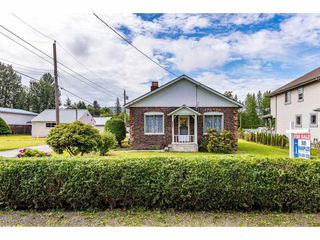 "Photo 3: 34930 CLAYBURN Road in Abbotsford: Abbotsford East House for sale in ""Historical Clayburn Village"" : MLS®# R2477607"