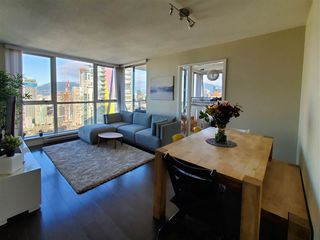 Photo 2: 4006 1408 STRATHMORE Mews in Vancouver: Yaletown Condo for sale (Vancouver West)  : MLS®# R2528590