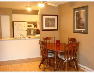 "Photo 3: 204 20561 113TH Avenue in Maple_Ridge: Southwest Maple Ridge Condo for sale in ""WARELESLY PLACE"" (Maple Ridge)  : MLS®# V675438"