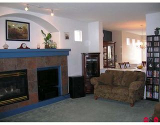 "Photo 3: 18519 67A Avenue in Surrey: Cloverdale BC House for sale in ""Heartland"" (Cloverdale)  : MLS®# F2809509"