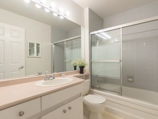 "Photo 17: 311 14993 101A Avenue in Surrey: Guildford Condo for sale in ""Cartier Place"" (North Surrey)  : MLS®# R2433333"