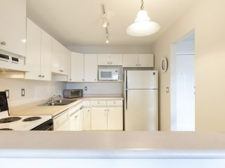 "Photo 10: 311 14993 101A Avenue in Surrey: Guildford Condo for sale in ""Cartier Place"" (North Surrey)  : MLS®# R2433333"