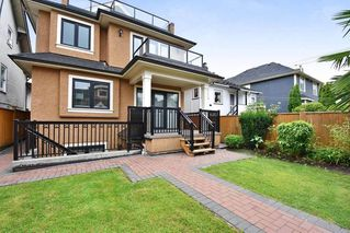 Photo 3: 3913 W 18TH Avenue in Vancouver: Dunbar House for sale (Vancouver West)  : MLS®# R2471975