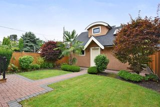 Photo 2: 3913 W 18TH Avenue in Vancouver: Dunbar House for sale (Vancouver West)  : MLS®# R2471975