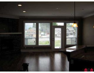 """Photo 7: 34831 1ST Avenue in Abbotsford: Poplar House for sale in """"HUNTINGDON"""" : MLS®# F2706803"""
