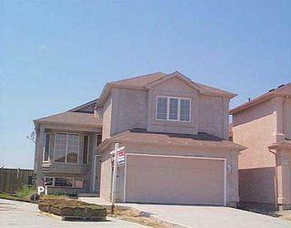 Main Photo: 167 MONTVALE Crescent in Winnipeg: Windsor Park / Southdale / Island Lakes Single Family Detached for sale (South East Winnipeg)  : MLS®# 2611315
