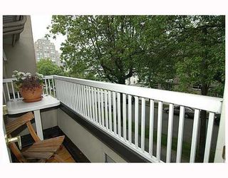 """Photo 2: 307 611 W 13TH Avenue in Vancouver: Fairview VW Condo for sale in """"TIFFANY COURT"""" (Vancouver West)  : MLS®# V651236"""